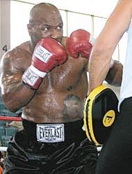 <!--:es-->Tyson busca reverdecer viejos laureles<!--:-->