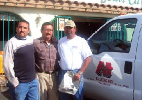 <!--:es-->Felix Flores of F&F Grading Inc., who worked on the La Quinta Old Town project takes a lunch break with his crew from the Indio Street Fair this past Saturday. They couldn't miss the opportunity to lunch at their favorite place.<!--:-->