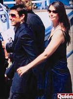 <!--:es-->Tom le Pide Permiso a Katie Para escenas de riesgo<!--:-->