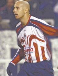 <!--:es-->Chivas venció a Vélez y avanza<!--:-->