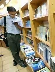 <!--:es-->Si compras libros usados ahorrarás más<!--:-->