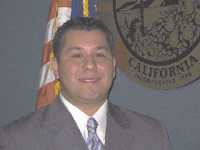 <!--:es-->Eduardo Garcia Takes Office As Coachella Mayor<!--:-->