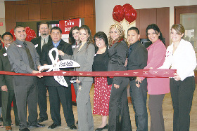 <!--:es-->Bank of America has ribbon cutting ceremonies for new Coachella branch<!--:-->