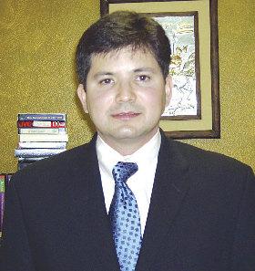 <!--:es-->Doctor Julio César Martínez<!--:-->