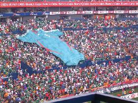 <!--:es-->Borguetti resolvió el triunfo apurado de México ante Paraguay<!--:-->