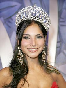 Univision Corona A La Primera Ganadora De Nuestra Belleza Latina