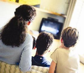 <!--:es-->Padres estadounidenses, preocupados por lo que ven sus hijos en los medios<!--:-->