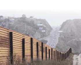 <!--:es-->Urgen a inmigrantes no cruzar  frontera con EU por calor<!--:-->