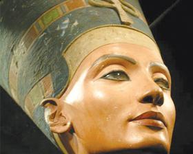 <!--:es-->Amenaza Egipto a Alemania si no presta el busto de Nefertiti<!--:-->