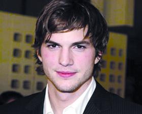 <!--:es-->Ofrece Ashton Kutcher consejos para ablandar a los hombres<!--:-->