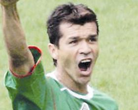 <!--:es-->Despreocupa a Borgetti  su edad con miras al Mundial<!--:-->