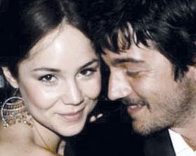 <!--:es-->Luna y Sodi sí se casaron, fue una boda sencilla e íntima<!--:-->