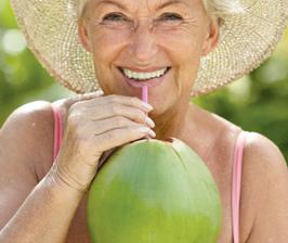 <!--:es-->Agua de coco para  el cuidado de la piel<!--:-->
