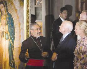 <!--:es-->Recibe McCain bendición en la Basílica de Guadalupe<!--:-->