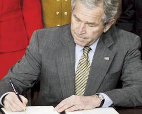 <!--:es-->Bush firma ley  de financiación de vivienda<!--:-->
