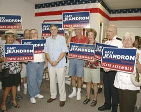<!--:es-->Jeandron Campaign Opens 
