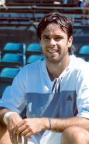 <!--:es-->Fernando González  gana su primer torneo del año.<!--:-->