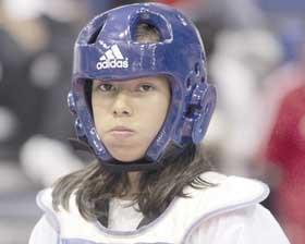 <!--:es-->Iris Contreras alterna  el Hockceu con el Taekwondo<!--:-->