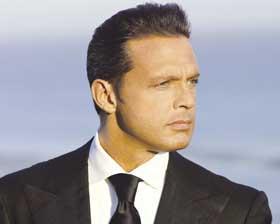 <!--:es-->Cautiva Luis Miguel a argentinos  en primer concierto<!--:-->