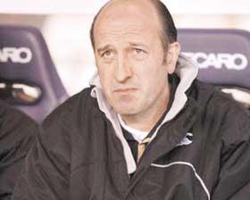 <!--:es-->Convocan a Guardado y Bravo para duelo  el Copa UEFA<!--:-->