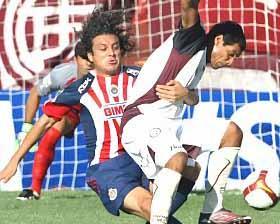 <!--:es-->Deja Chivas ir el triunfo; 1-1 con Lanús<!--:-->
