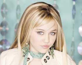 <!--:es-->Cyrus firma cuarta temporada  de Hannah Montana<!--:-->