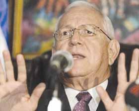 <!--:es-->Golpe de Estado Honduras: 'No podemos negociar nada' con OEA, dice Micheletti<!--:-->