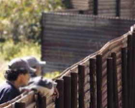 <!--:es-->Aprueba Obama  800 mmd para  bardas fronterizas<!--:-->
