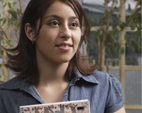 <!--:es-->Falta de Apoyo frena Educación de Latinos<!--:-->