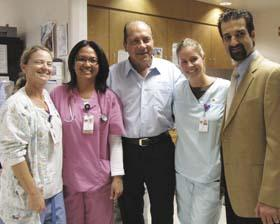 <!--:es-->Johnny Bench Visited Patients 