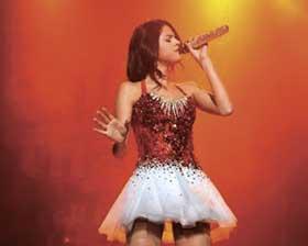 <!--:es-->Selena Gomez estaría  sufriendo anorexia<!--:-->