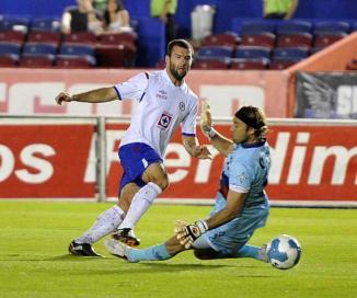 <!--:es-->Cruz Azul rescata con una mano de Villa empate ante el Atlante<!--:-->