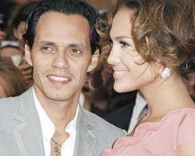 <!--:es-->A Marc Anthony le urge firmar el divorcio<!--:-->