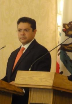 <!--:es-->Arnulfo Valdivia Machuca nuevo director del Instituto de los Mexicanos en el Exterior.<!--:-->