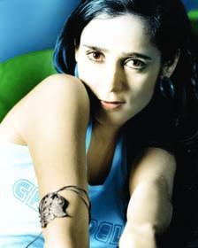 <!--:es-->Julieta Venegas vuelve con disco  lleno de anhelos y pérdidas<!--:-->