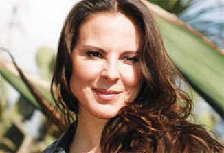 <!--:es-->Kate del Castillo se confiesa totalmente enamorada<!--:-->