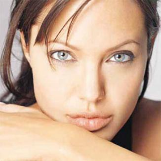 <!--:es-->Angelina Jolie es la actriz mejor pagada de Hollywood<!--:-->