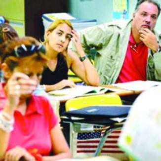 <!--:es-->Ciudadanos hispanos en EE.UU. son los menos Felices<!--:-->