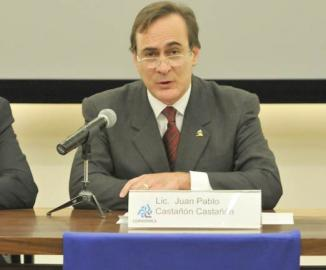 <!--:es-->Balance de Claroscuros del Primer Informe de EPN: Grupos disidentes y desaceleración económica frenan  el momento de México<!--:-->