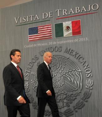 <!--:es-->Biden y Peña Nieto privilegian el desarrollo económico y educación<!--:-->