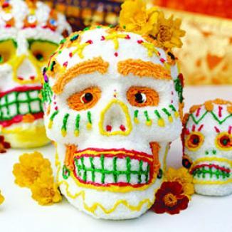 <!--:es-->Entre Risas, Recuerdos y Buen Sabor  ¡Así se Celebra el Día de los Muertos!<!--:-->