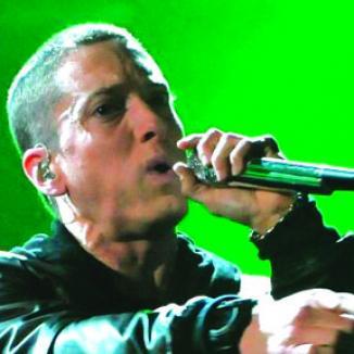 <!--:es-->Eminem Rechaza Show del Super Bowl<!--:-->