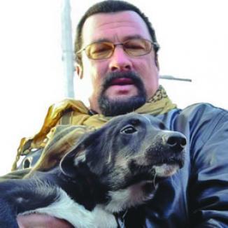 <!--:es-->Steven Seagal Quiere ser Gobernador de Arizona<!--:-->
