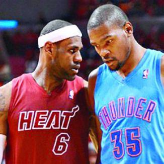 <!--:es-->LeBron James Elogia  a Kevin Durant<!--:-->