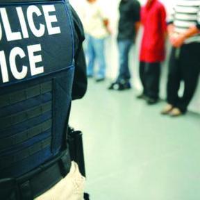 <!--:es-->ICE Presiona para Detener a  Indocumentados y Obama Pide más Dinero para Deportar<!--:-->