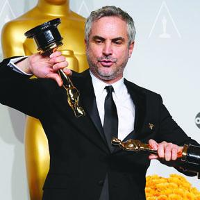 <!--:es-->Alfonso Cuarón  No se Lleva Uno Sino Dos Oscar<!--:-->
