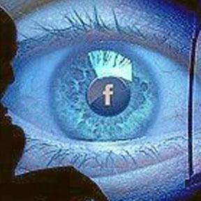 <!--:es-->¿Quién Nos Vigila por Internet?<!--:-->