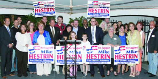 <!--:es-->Mike Hestrin Candidate for Riverside County District Attorney Joined by Supporters<!--:-->
