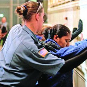 <!--:es-->Los Inmigrantes Hispanos  Prefieren el cese de las  Deportaciones a la Ciudadanía<!--:-->