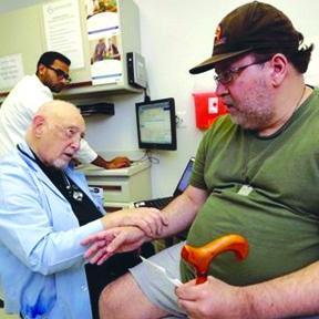 <!--:es-->Muchos Californianos con Seguro  No Obtienen Cuidado Médico<!--:-->